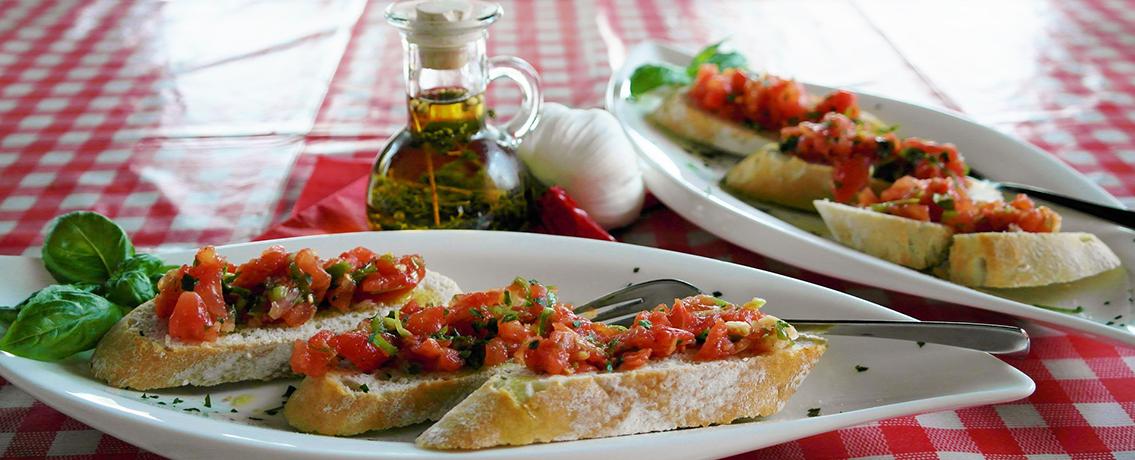 ברוסקטה בצל ועגבניות. מתכון מושלם לכל ארוחה