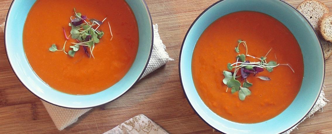 מרק עגבניות צח מושלם, של סבתא נורית