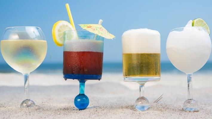 לא הולכים לים בלי כוסות הקסם