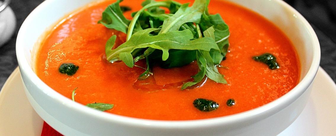 גספאצ'ו עגבניות קל ומרענן