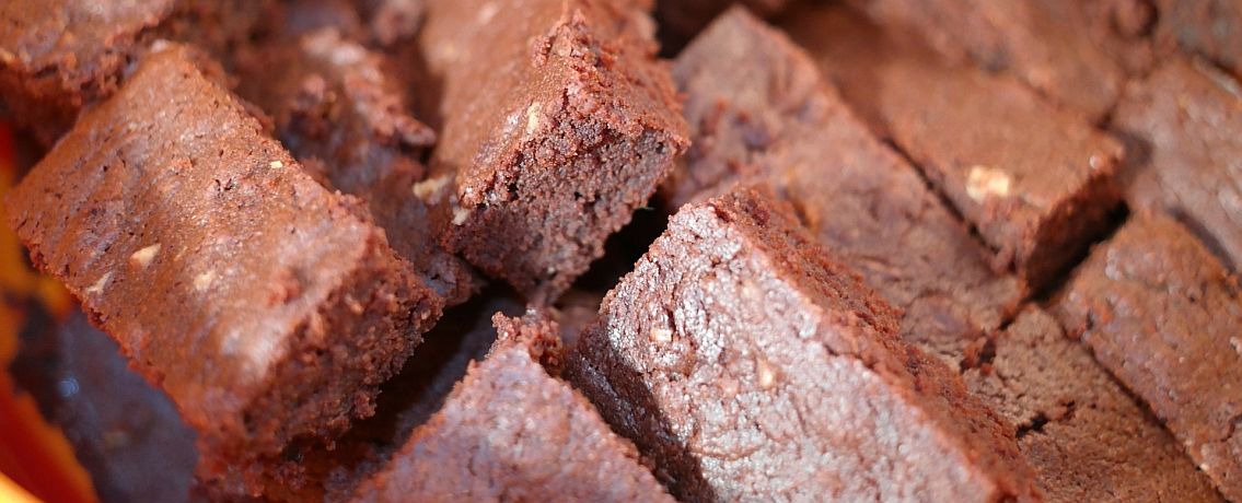 בראוניז רכים ללא שוקולד שילדים אוהבים במיוחד