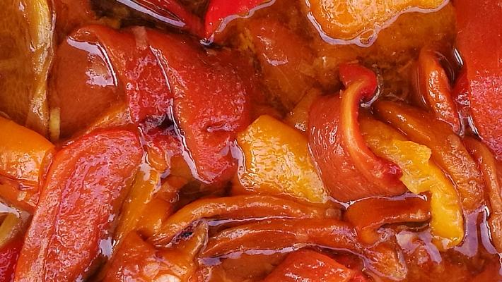 פלפלים קלויים ברוטב סויה ודבש