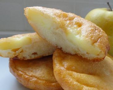 סופגניות תפוחים: טבעות תפוחי עץ מטוגנות בבלילה