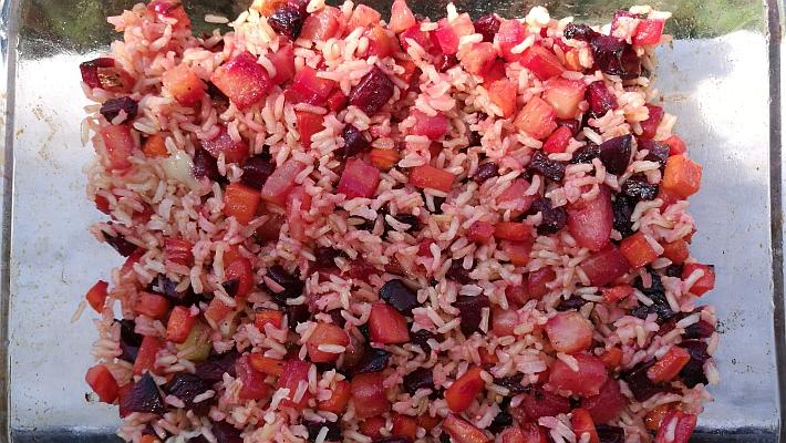 אורז מלא עם ירקות שורש צלויים
