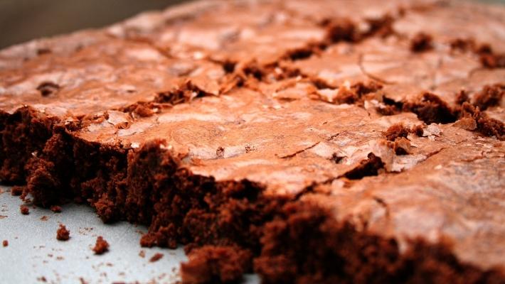 בראוניז שוקולד רכים ועשירים במיוחד בכלום עבודה