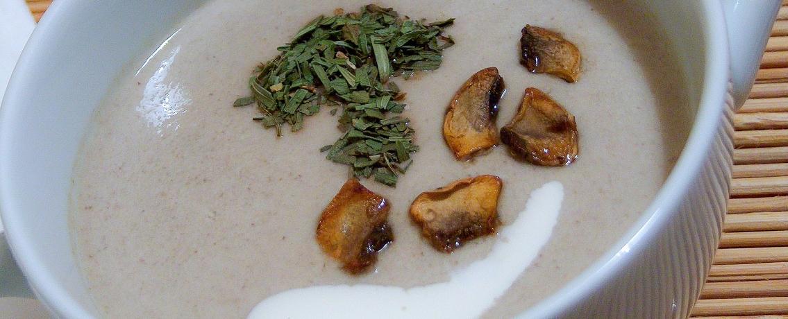 מרק פטריות עשיר וסמיך