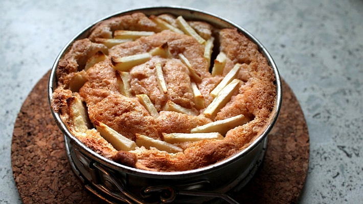 עוגת תפוחים מטריפה וקלה להכנה