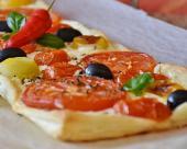 טארט עגבניות, זיתים ומוצרלה