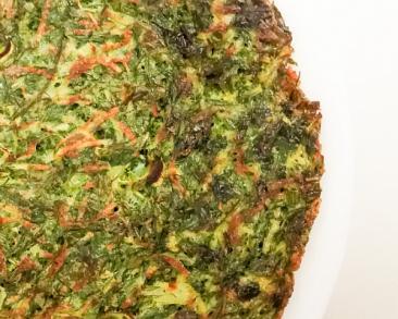 פשטידת מחבת של מנגולד והרבה ירוקים: חביתת ירק משודרגת