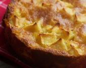 עוגת תפוחים ואגסים